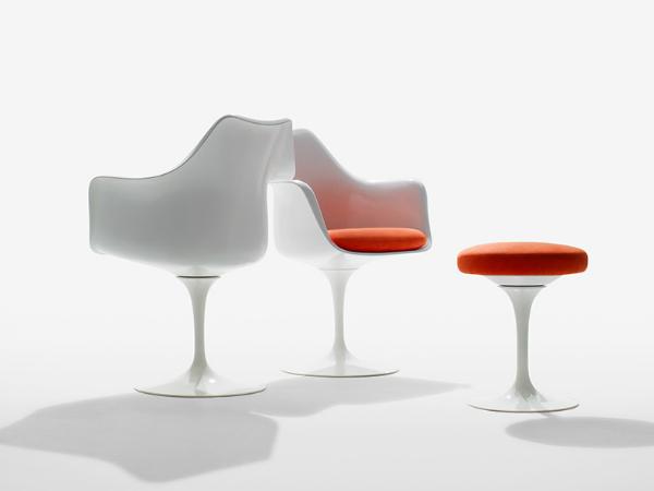 擁有纖細單腳與座椅豐滿的外型,從不同的視角欣賞《鬱金香椅》 - Tulip Arm Chair,單椅本身上與下的合諧讓人十分驚豔。(Photo Credit:Knoll )